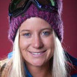 Hannah Teter Headshot