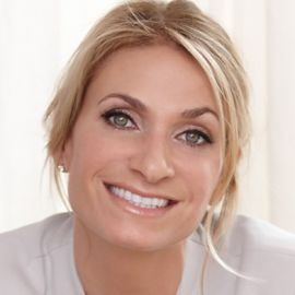 Heather Thomson Headshot