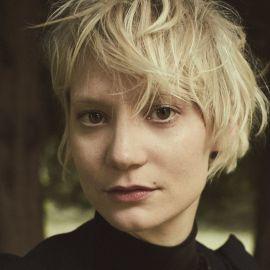 Mia Wasikowska Headshot