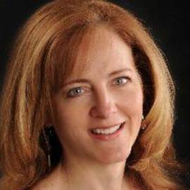Holly Berkley Headshot