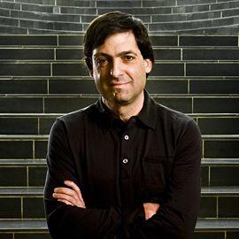 Dan Ariely Headshot