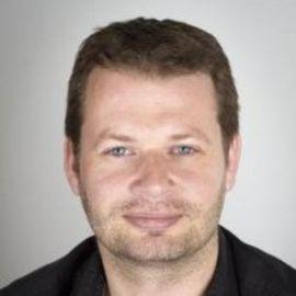 Florian Vollmer Headshot