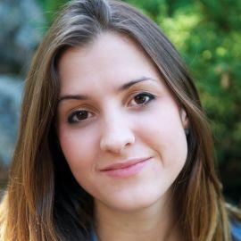 Jenna Tregarthen Headshot