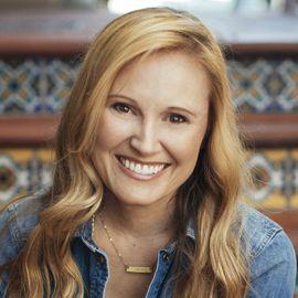Jennie Allen Headshot