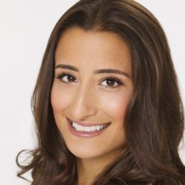 Hayley Barna Headshot