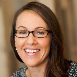 Sara Clemens Headshot