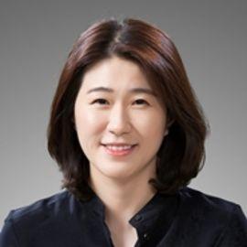 Geannie Cho Headshot