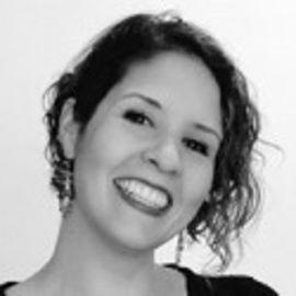 Gabriela Arenas Headshot