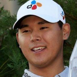 Si Woo Kim  Headshot