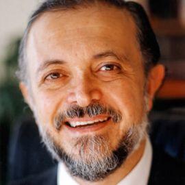 Mario J. Molina Headshot