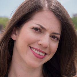 Jill Goldenziel Headshot