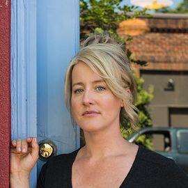 Naomi Pomeroy Headshot