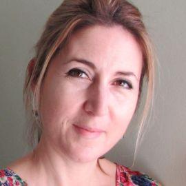 Lisa Jewell Headshot