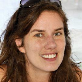 Leslie Jamison Headshot