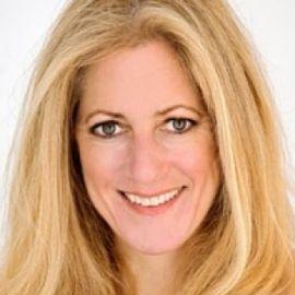 Julie Klam Headshot