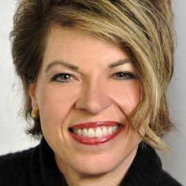 Kathy Dempsey Headshot