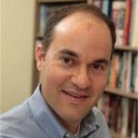 Matthew Kahn Headshot