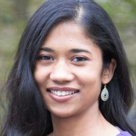Akshaya Shanmugam Headshot