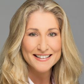 Tiffani Bova Headshot