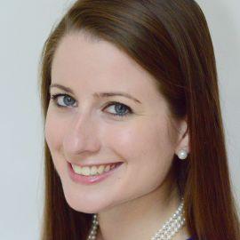 Sara Sindelar Headshot