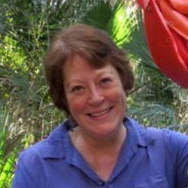 Angela Haseltine Pozzi Headshot