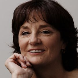 Bonnie Blair Headshot