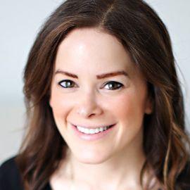 Danielle Moss Headshot