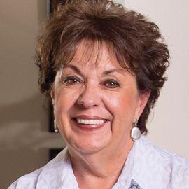 Debbie Phelps Headshot