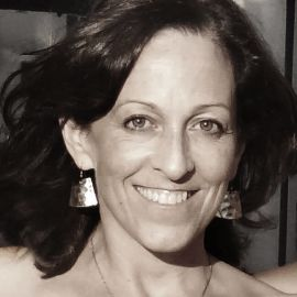 Sheryl Winarick Headshot