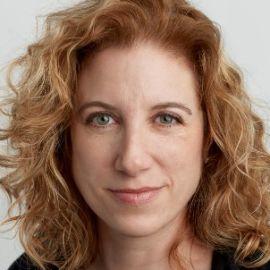 Hana Schank Headshot