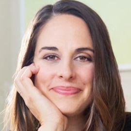 Kelly Notaras Headshot