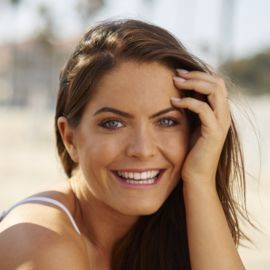 Shannon Decker Headshot
