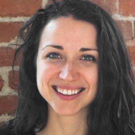 Anna Chif Headshot