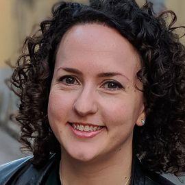 Julie Blitzer Headshot