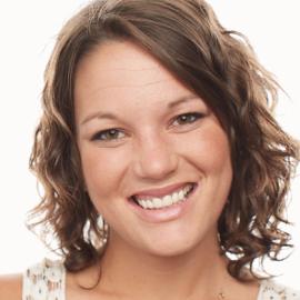 Christina Miller Headshot
