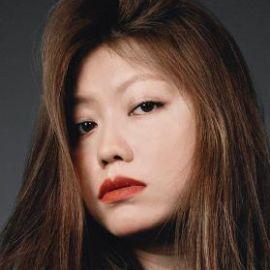 Claudia Li Headshot