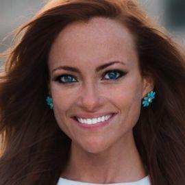 Cayla Weisberg Headshot