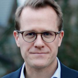 Matthew Dixon Headshot
