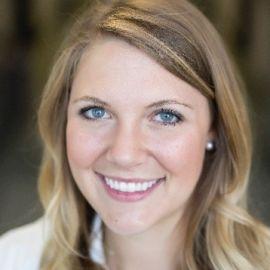 Anna Douglas Headshot