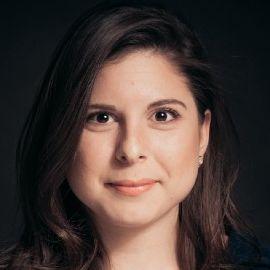 Sara Fischer Headshot