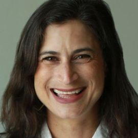 Lauren Schiller Headshot