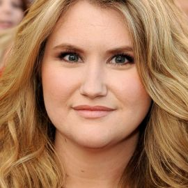 Jillian Bell Headshot
