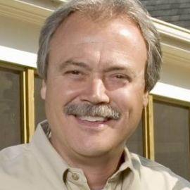 Pat Simpson Headshot