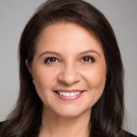 Maria Cavalcanti Headshot
