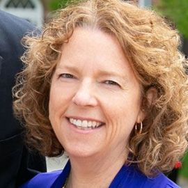 Karen Dillon Headshot