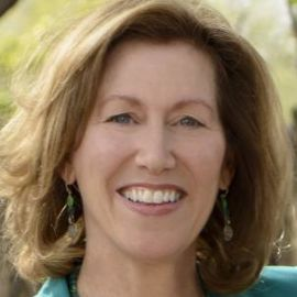 Victoria Maizes Headshot
