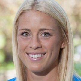 Abby Dahlkemper Headshot