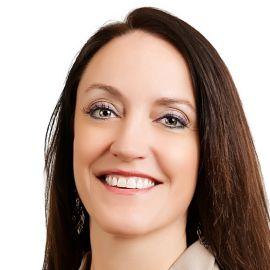 Danielle Roberts Headshot