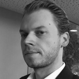 Florian Riedl Headshot