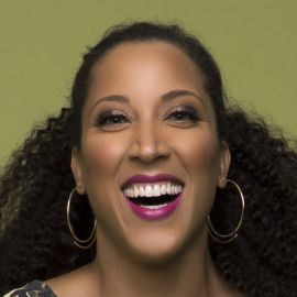Robin Thede Headshot